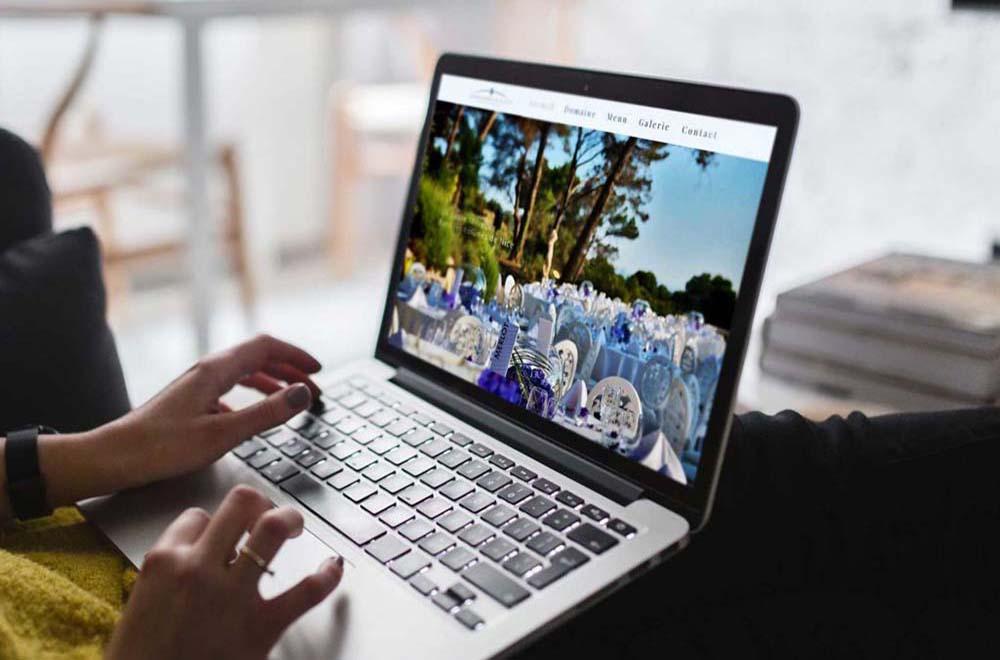 nextnet-agence-communication-freelance-nice-domaine-cleverland-mockup-1-guide