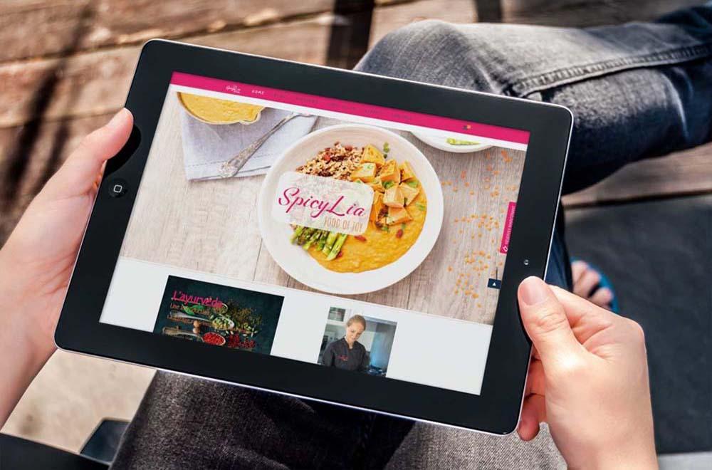 nextnet-agence-communication-freelance-nice-spicylia-mockup-4-guide